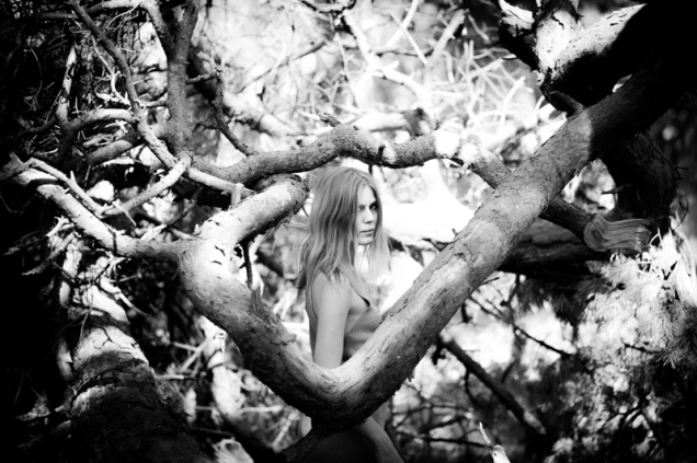 myrkur-promoshot-screen